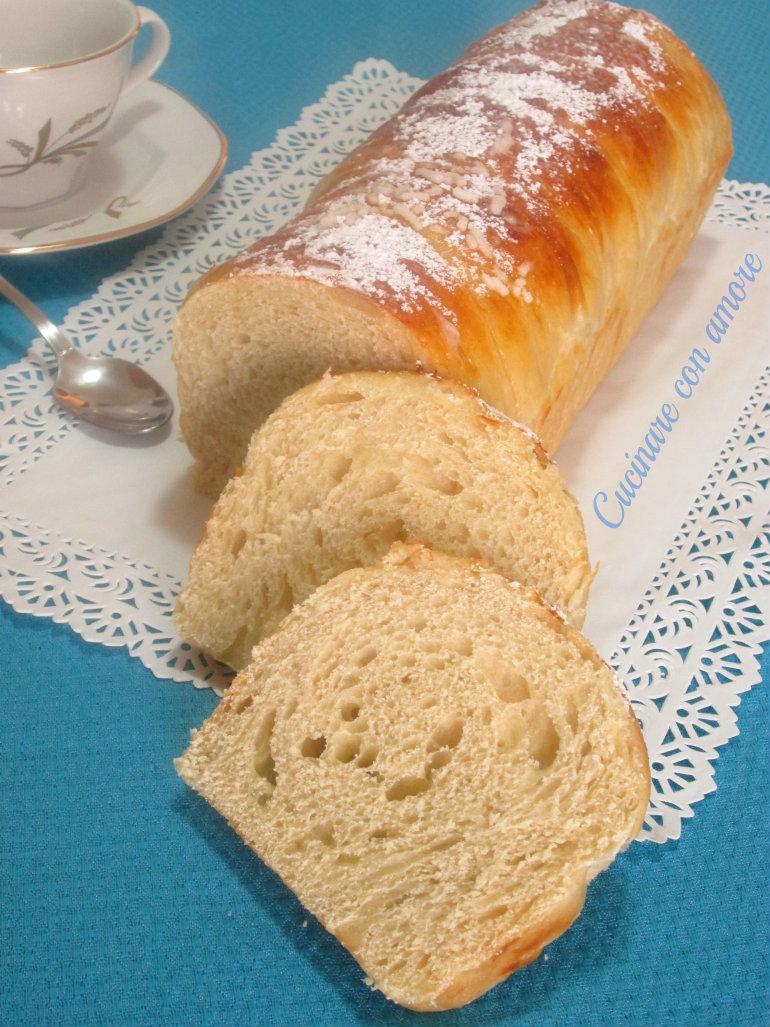 Pan brioche dolce allo yogurt