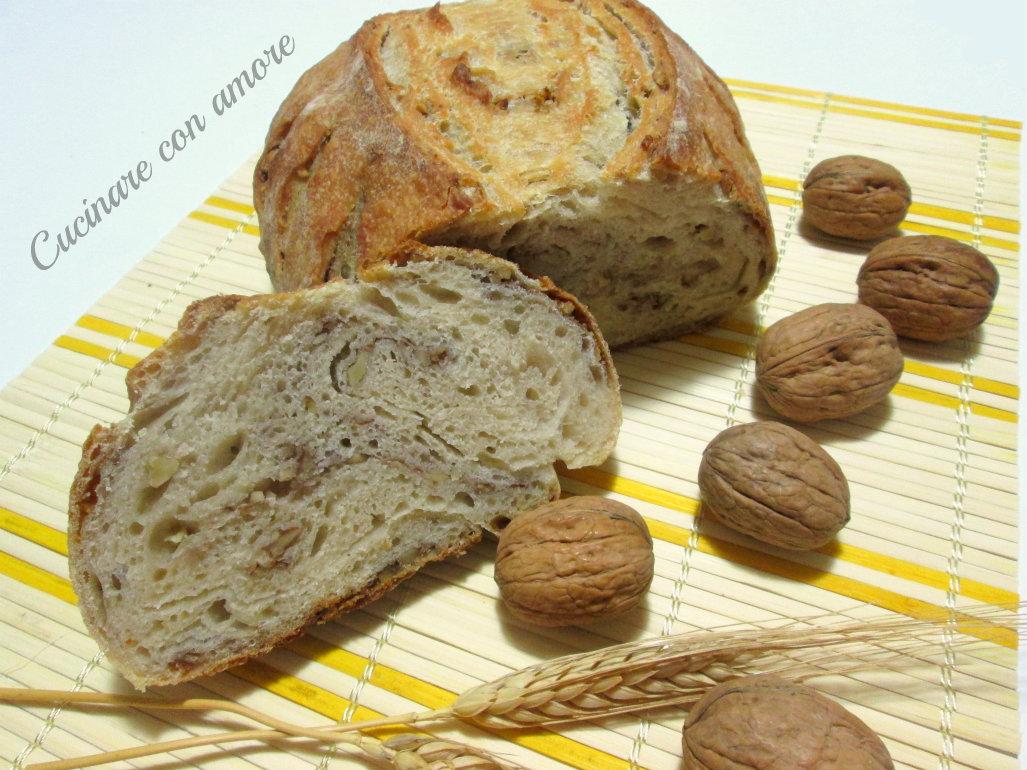 Pane con noci e lievito madre