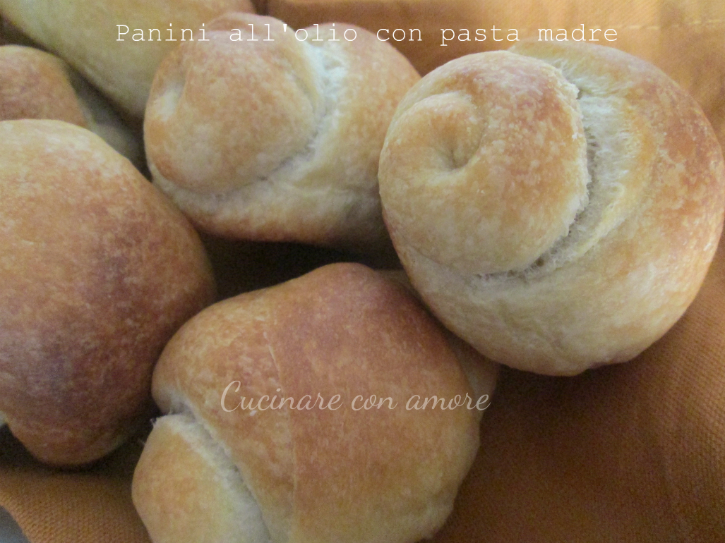 Panini all'olio con pasta madre