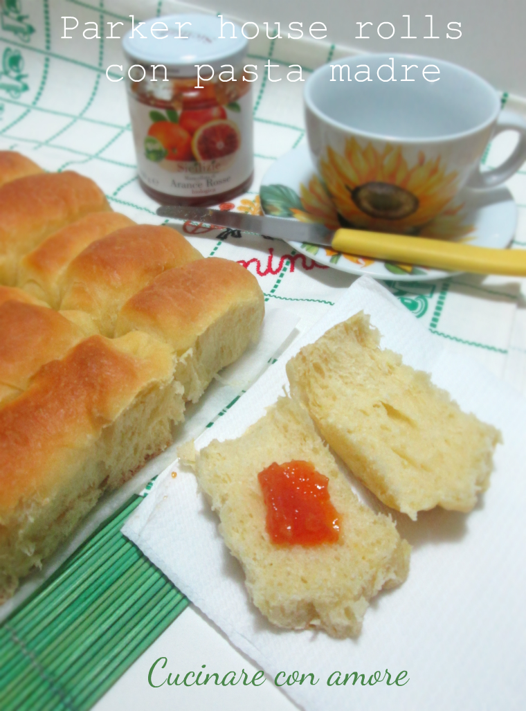 Parker house rolls con pasta madre