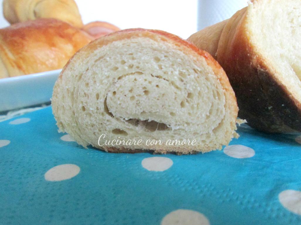 Cornetti semi sfogliati con panna