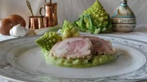 Rolatine di pollo su crema di broccolo romano