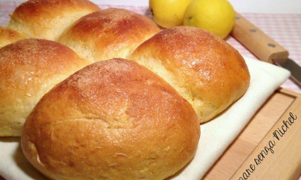 Pan brioches al limone senza burro