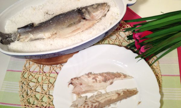 Branzino in crosta di sale