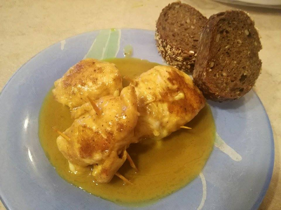 Involtini di petto di pollo al curry