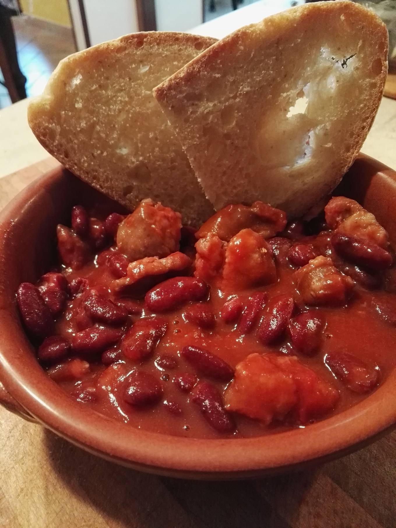 Fagioli e salsiccia affumicata