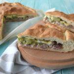 Ricetta originale della scacciata catanese con salsiccia e broccoli