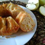 Ciambella di mele, cannella e zucchero di canna