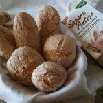 Pane con farina di grano tenero macinata a pietra