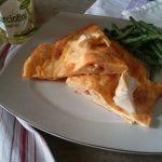 Omelette prosciutto, formaggio e carciofini