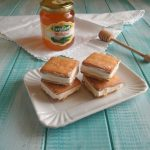 Gelato biscotto variegato al miele