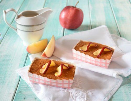 Tortine di yogurt con mele e cannella