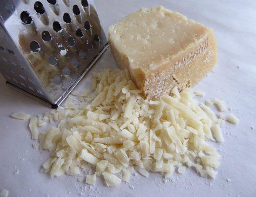 Come riutilizzare le croste del Parmigiano