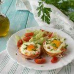 Cestini di bacon e uova