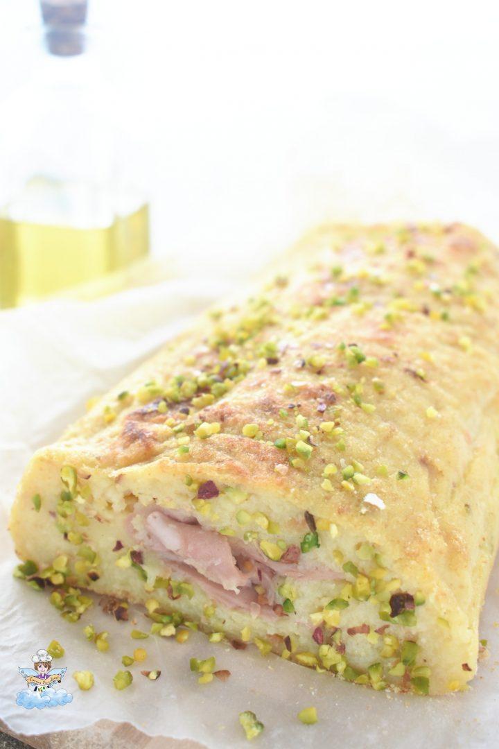 Rotolo di patate con pistacchio e mortadella