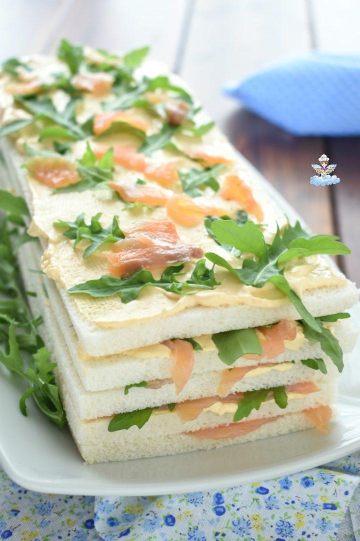 Torta tramezzino salata al salmone