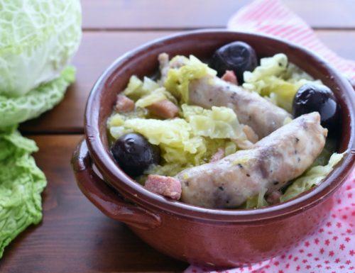 Salsicce in brodo con la verza