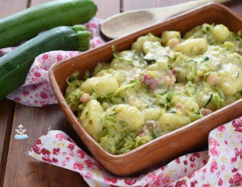Gnocchi zucchine e pancetta al forno
