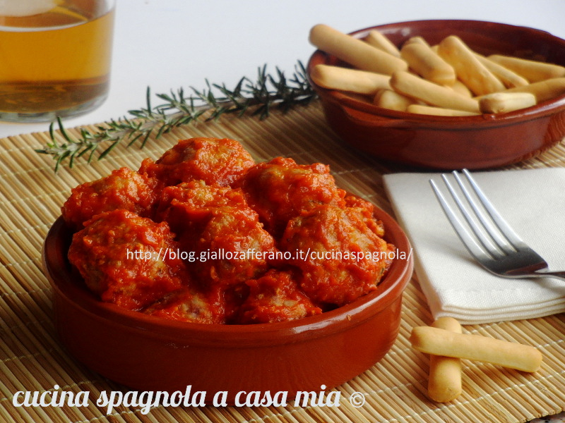 POLPETTE AL SUGO DI POMODORO. TAPAS   Cottura al forno Ricetta Cucina Spagnola A Casa Mia