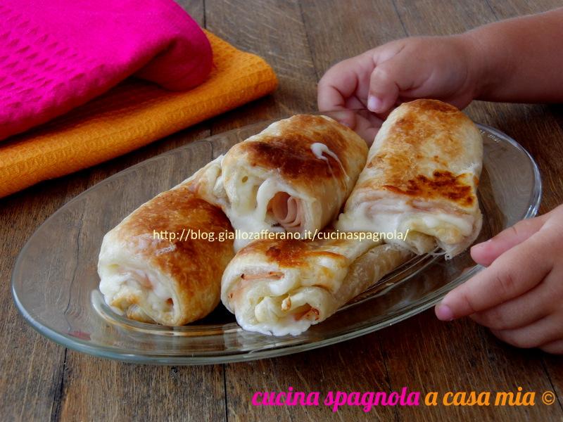 Le napolitanas salate: stuzzichini spagnoli perfetti come antipasto, merenda o finger food. Facili e veloci da fare. Dal blog Gz Cucina Spagnola A Casa Mia.
