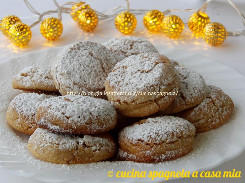 Très Mantecados, dolcetti spagnoli alle mandorle. Ricetta. TU04