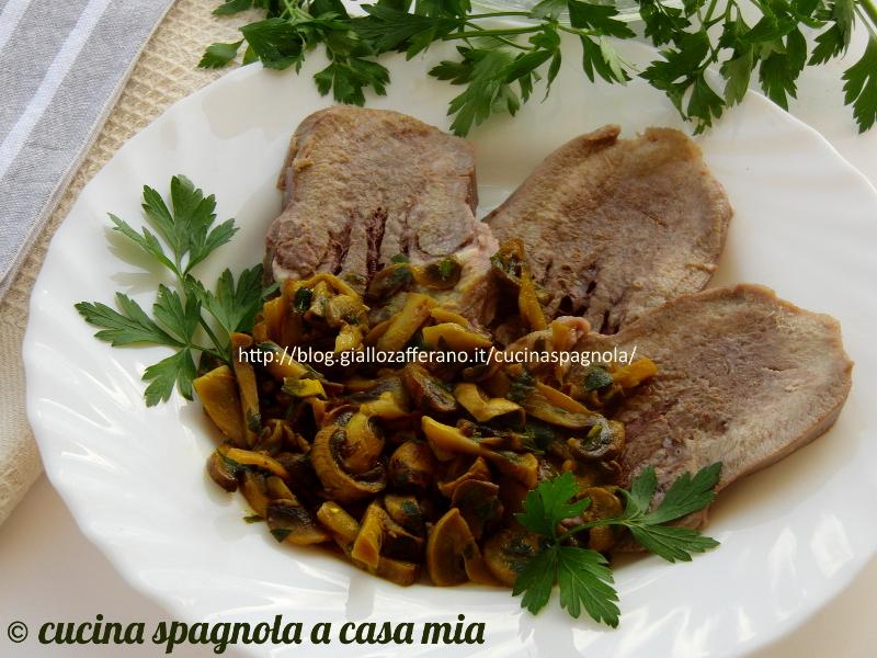 Come cucinare la lingua in salsa di funghi ricetta e segreti for Cucinare funghi