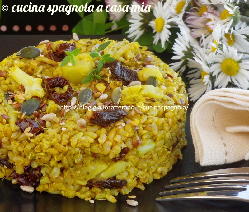 Ricetta vegetariana sana e stuzzicante perfetta per la stagione fredda, ricca di nutrienti sani e dal gusto croccante dato dai semi oleosi.