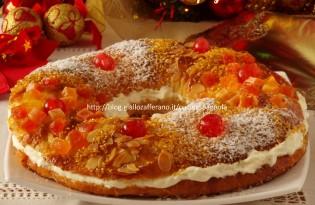 Roscón de Reyes (de los Reyes Magos): la ciambella dei Re Magi, dolce tipico spagnolo del giorno dell'Epifania. Ricetta tradizionale spiegata passo a passo.
