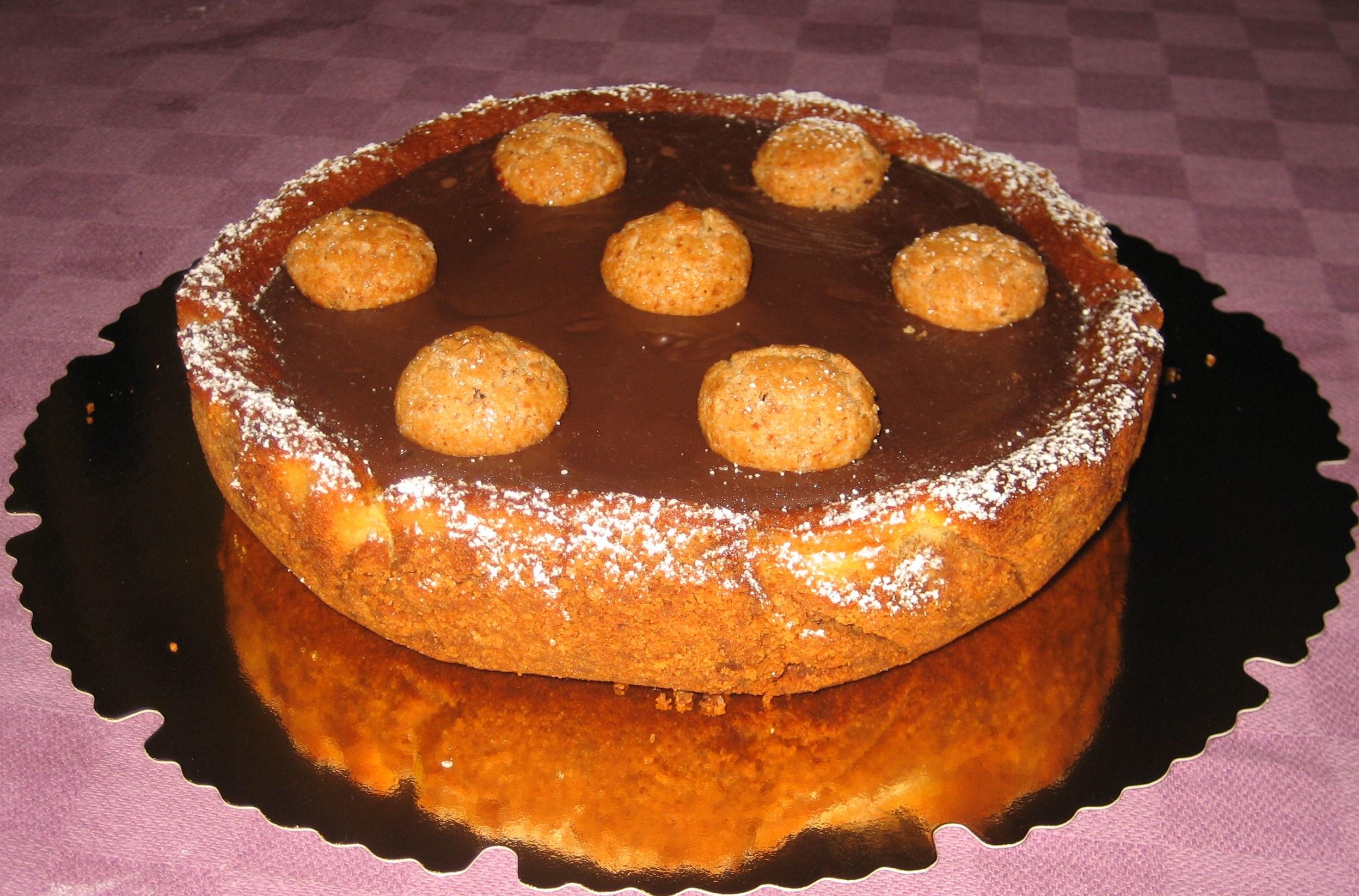 cheesecake con mandorle e amaretti