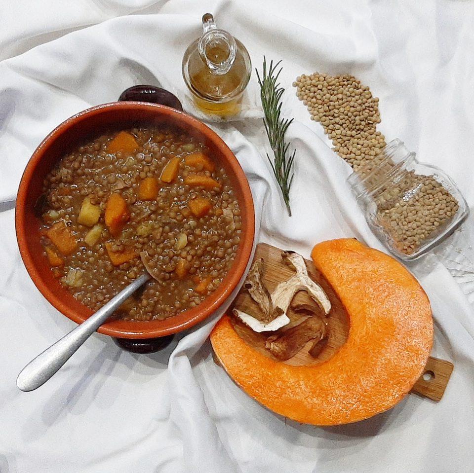 Ricetta Lenticchie E Funghi.Minestra Di Lenticchie Con Zucca E Funghi Porcini Cucinato E Mangiato