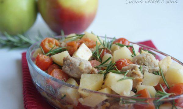 Bocconcini di salsiccia di pollo e tacchino, con mele e patate