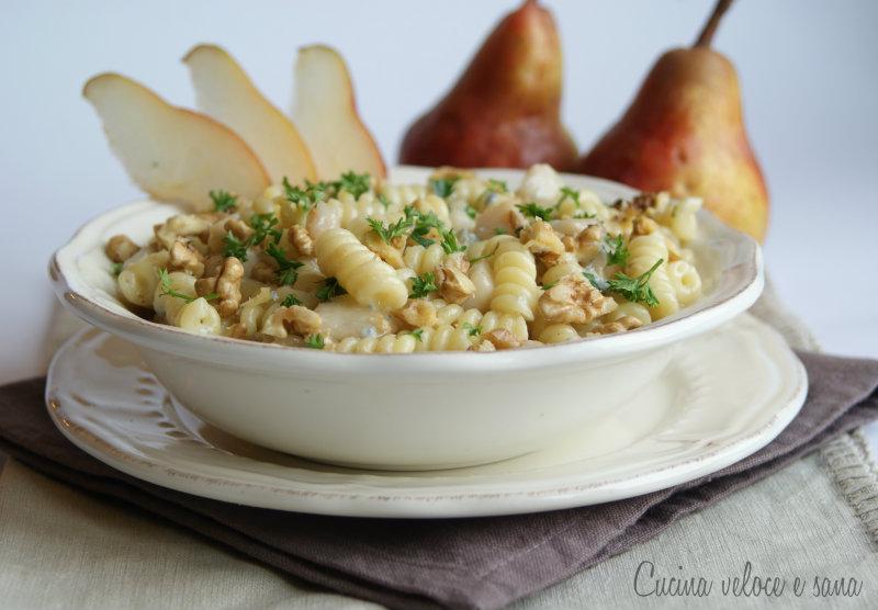 Ricetta pasta con le noci e gorgonzola