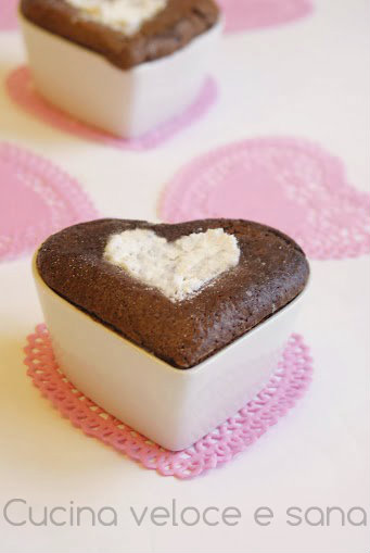 Tortino al cioccolato ricetta romantica cucina veloce e sana - Cucina veloce e sana ...