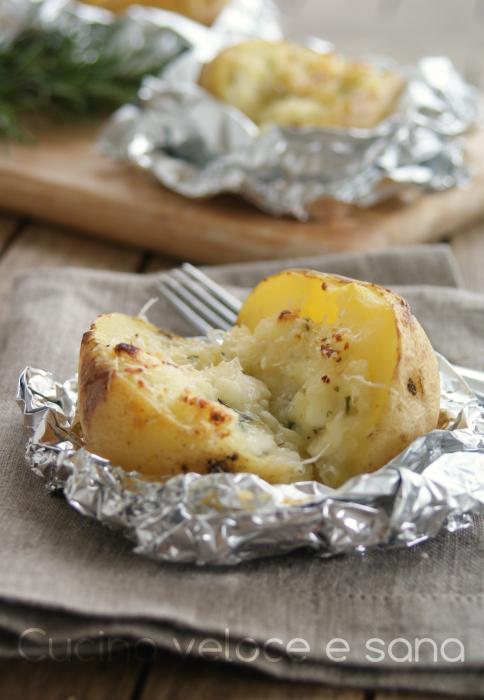 Patate al cartoccio con stracchino e rosmarino cucina veloce e sana - Cucina veloce e sana ...