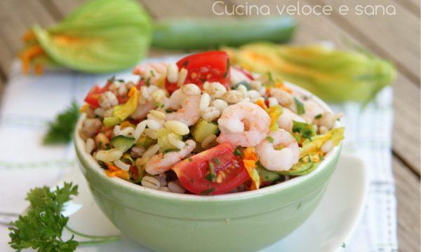Insalata di cereali, gamberetti e zucchine