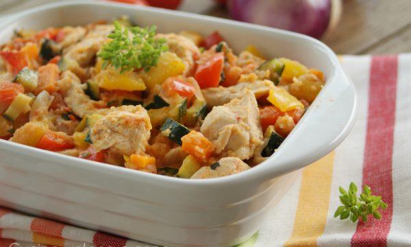Bocconcini di pollo alle verdure in padella