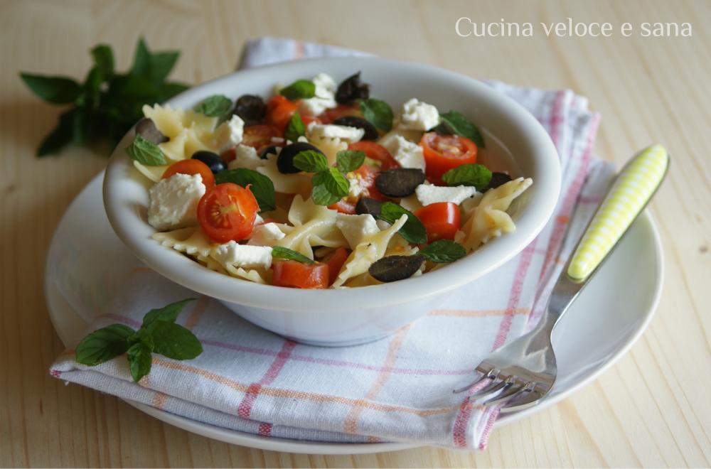 Pasta con pomodorini feta e menta cucina veloce e sana - Cucina veloce e sana ...