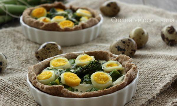 Crostatine con asparagi e uova di quaglia