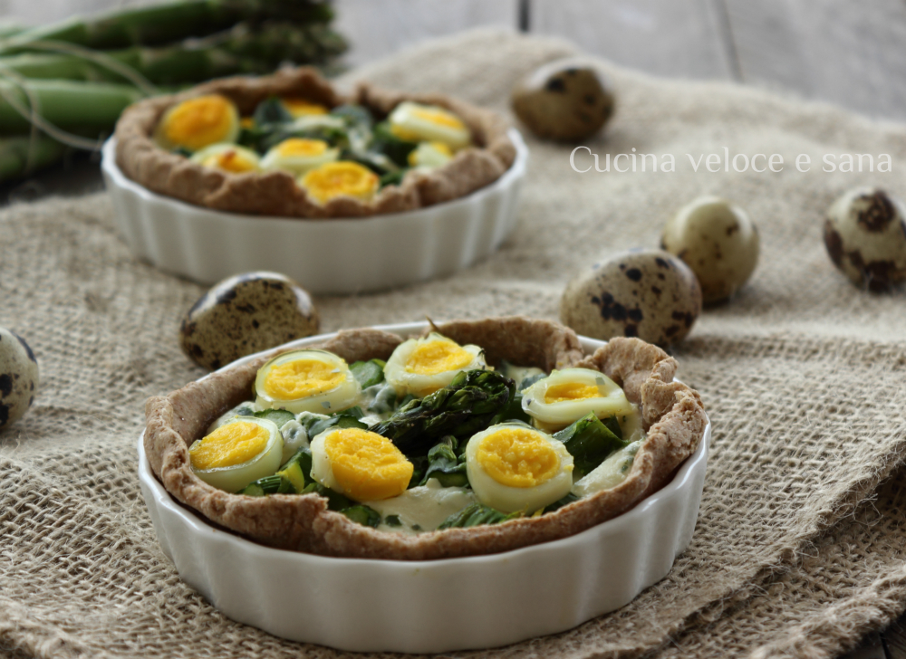 Crostatine con asparagi e uova di quaglia cucina veloce e sana - Cucina veloce e sana ...