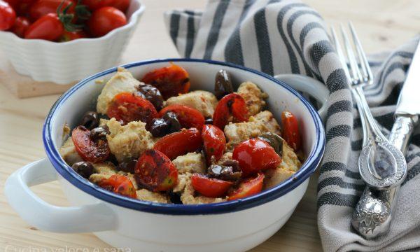 Pollo alla senape con pomodorini e olive