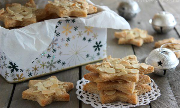 Stelline alle mandorle, biscotti di Natale