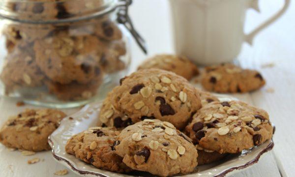 Biscotti ai fiocchi di avena e cioccolato
