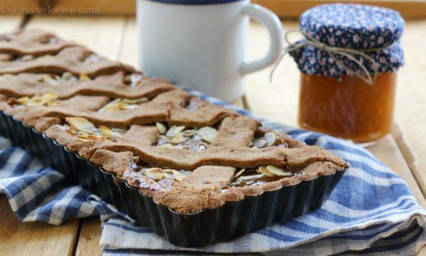 Crostata con farina integrale e confettura di albicocche