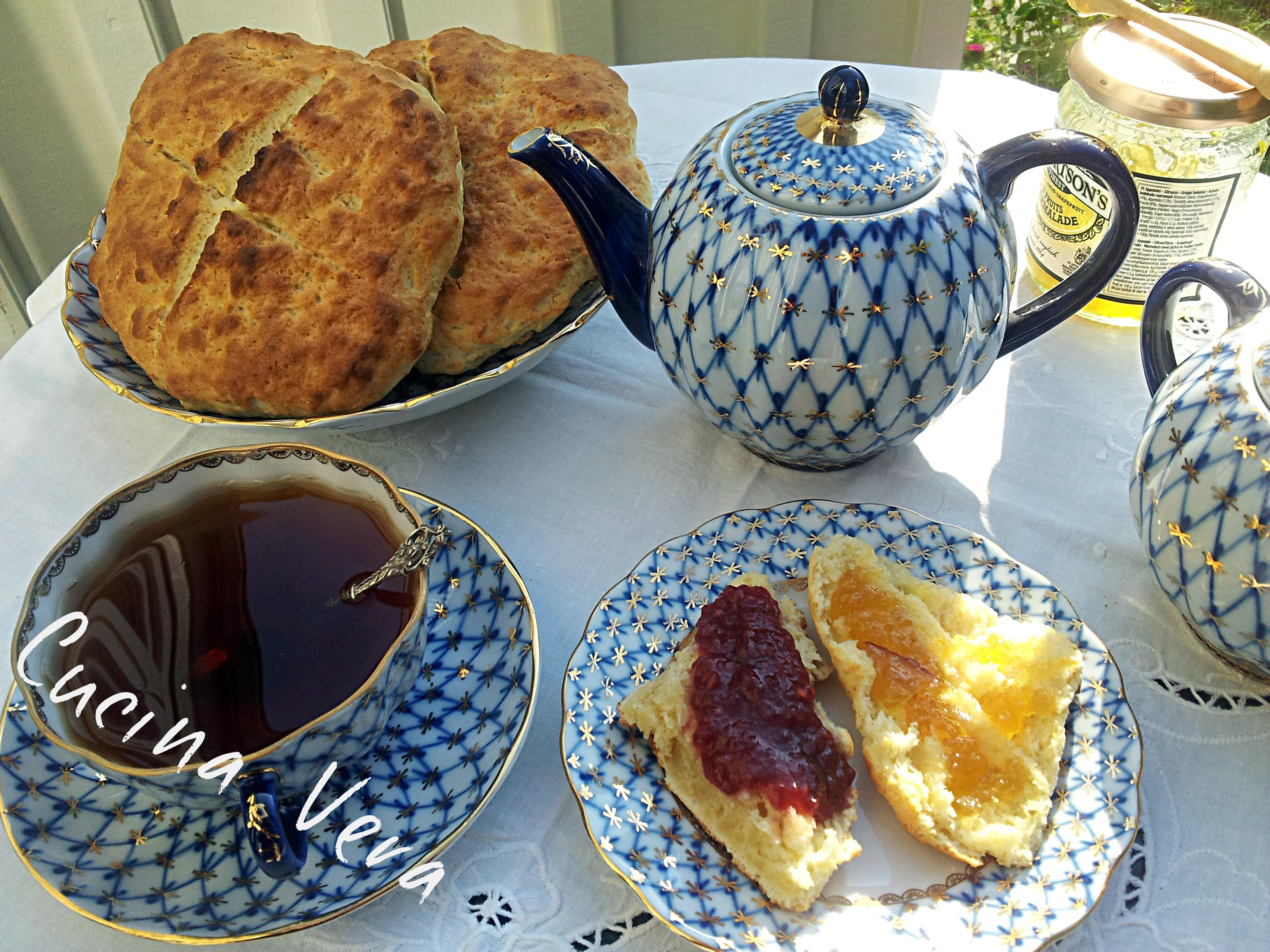 Scones, focaccine inglesi per il tè