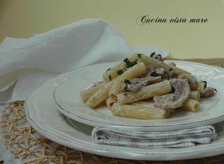 Sedanini con funghi e pancetta