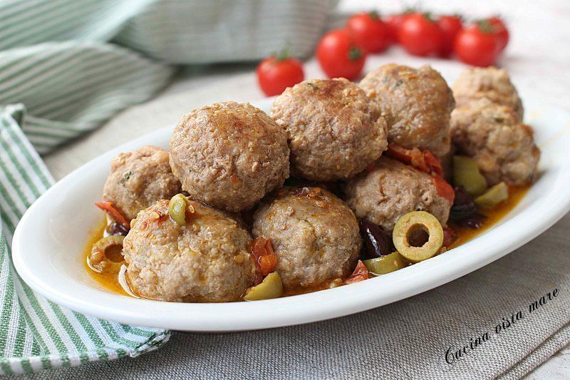 Polpettine con pomodorini e olive