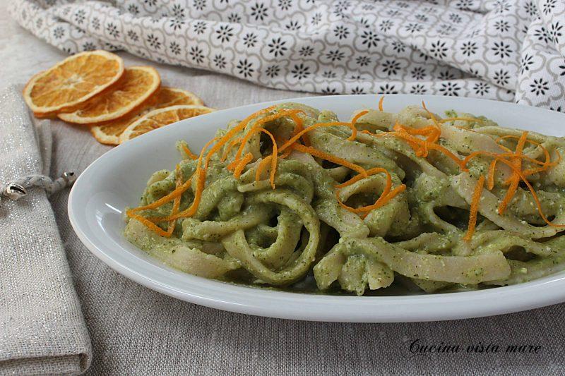 Tagliatelle alla crema di broccoli e arancia