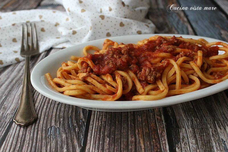 Spaghetti alla chitarra con ragù di agnello