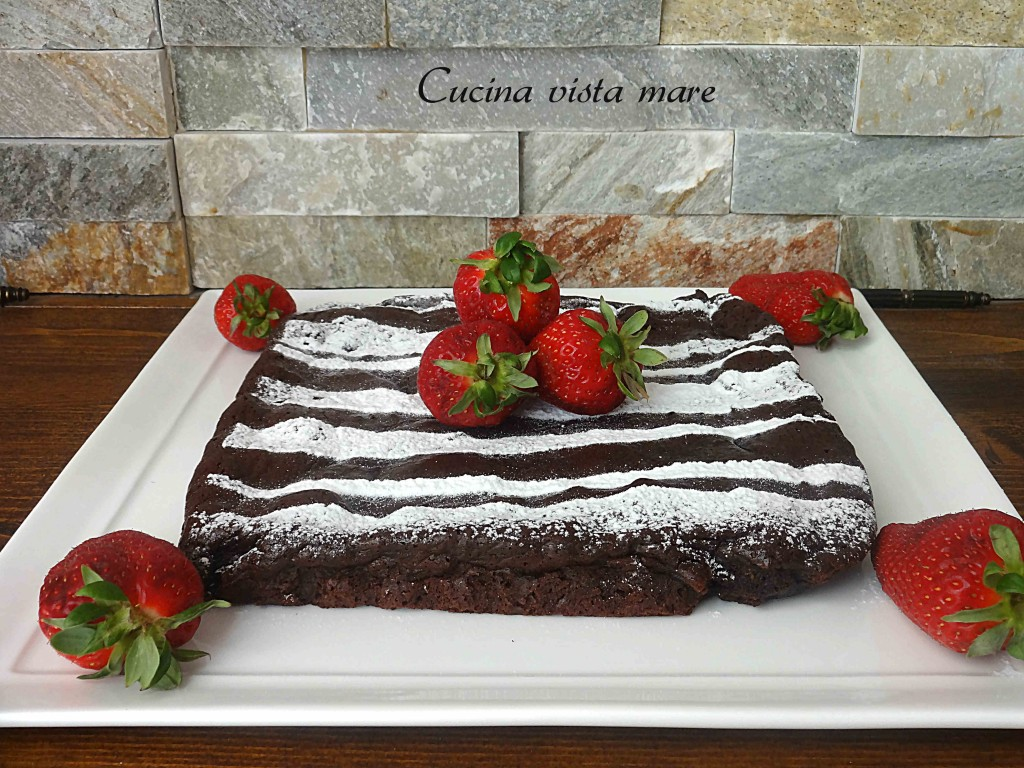 Torta al cioccolato fondente Cucina vista mare