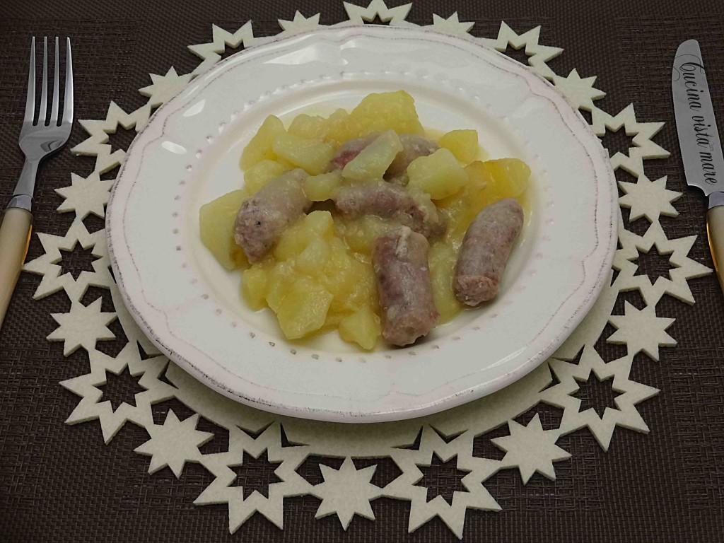 Spezzatino di luganega con patate